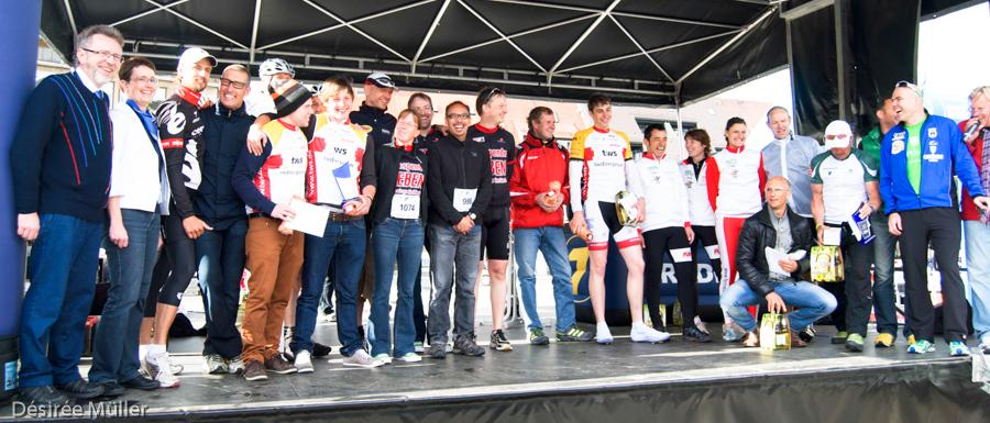 Die Teilnehmer des 1. ZKRD Charity-Radrennens